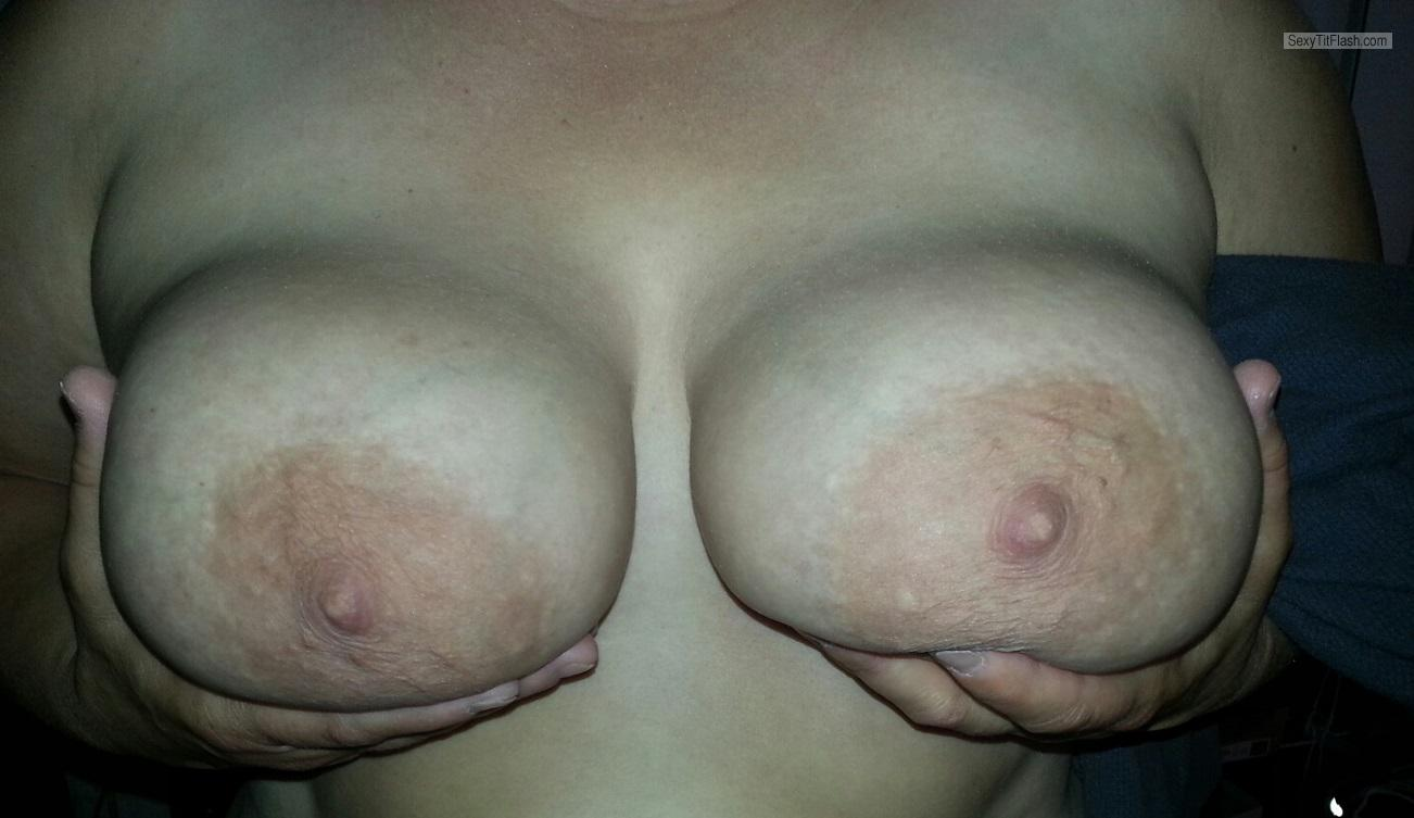 Tit Flash: Wife's Big Tits - Jonzer31 from United States